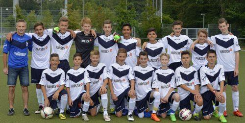 Foto:kri Die VfB C Junioren mit ihrem Trainer Michael Wenzel (li) erreichten das Kreispokalfinale