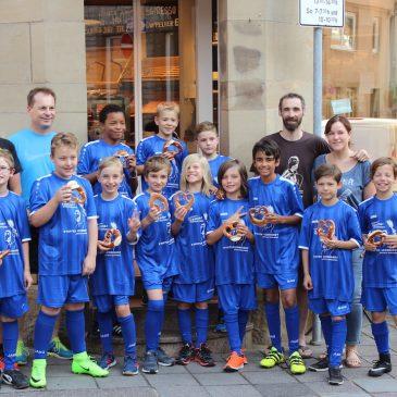 Die E1 des VfB Bretten sagt Danke an die Bäckerei Leonhardt