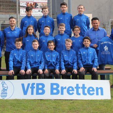 Die D1 des VfB Bretten mit neuen Präsentationsanzügen
